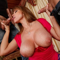 Darla Crane in 'Naughty America' Darla Crane, Alan Stafford and Ryan Driller in My Friends Hot Mom (Thumbnail 5)