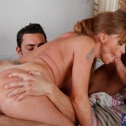 Darla Crane in 'Naughty America' Darla Crane, Alan Stafford and Ryan Driller in My Friends Hot Mom (Thumbnail 6)