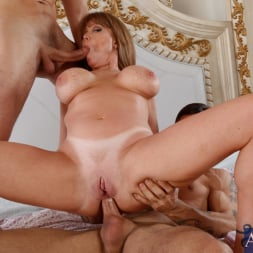 Darla Crane in 'Naughty America' Darla Crane, Alan Stafford and Ryan Driller in My Friends Hot Mom (Thumbnail 8)