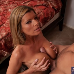 Kristal Summers in 'Naughty America' and Johnny Castle in My Friends Hot Mom (Thumbnail 8)