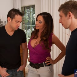 Ariella Ferrera in 'Naughty America' Ariella Ferrera, Johnny Castle and Danny Wylde in Seduced by a cougar (Thumbnail 3)