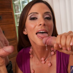 Ariella Ferrera in 'Naughty America' Ariella Ferrera, Johnny Castle and Danny Wylde in Seduced by a cougar (Thumbnail 6)