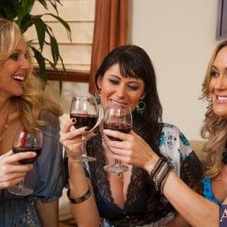 Brandi Love in 'Naughty America' My Friends Hot Mom (Thumbnail 3)