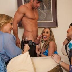 Brandi Love in 'Naughty America' My Friends Hot Mom (Thumbnail 6)