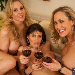 Brandi Love in 'Naughty America' My Friends Hot Mom (Thumbnail 15)
