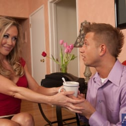 Brandi Love in 'Naughty America' and Bill Bailey in Seduced by a cougar (Thumbnail 2)