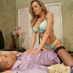 Brandi Love in 'Naughty America' and Bill Bailey in Seduced by a cougar (Thumbnail 3)