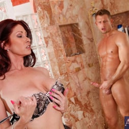 Tiffany Mynx in 'Naughty America' and Bill Bailey in My Friends Hot Mom (Thumbnail 4)