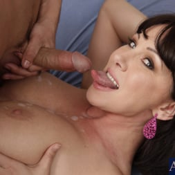 Rayveness in 'Naughty America' and Kris Slater in My Friends Hot Mom (Thumbnail 11)