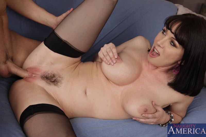 Naughty America 'and Kris Slater in My Friends Hot Mom' starring Rayveness (Photo 14)