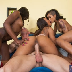 Ana Foxxx in 'Naughty America' 2 Chicks Same Time (Thumbnail 6)