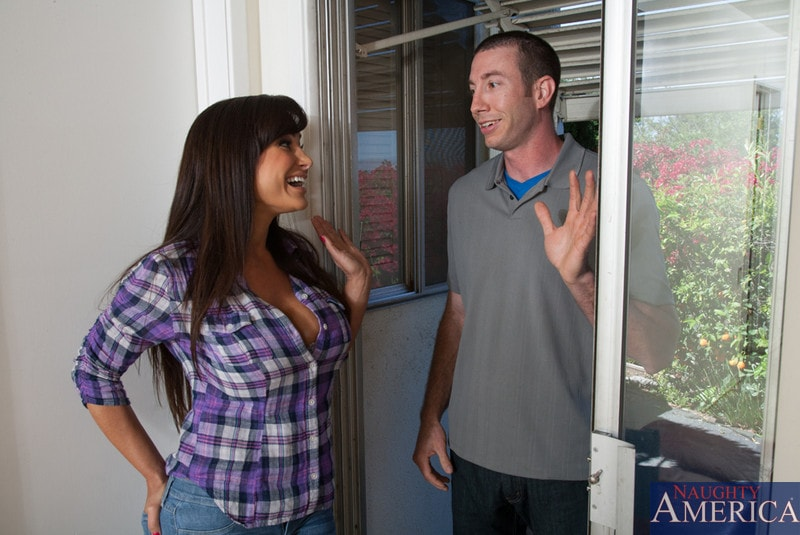 Naughty America 'and Jordan Ash in My Friends Hot Mom' starring Lisa Ann (Photo 1)