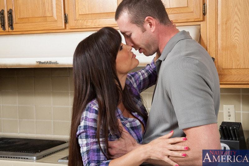 Naughty America 'and Jordan Ash in My Friends Hot Mom' starring Lisa Ann (Photo 3)