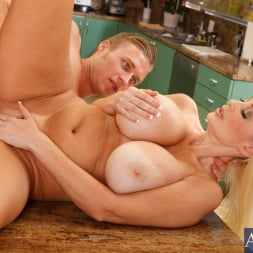 Brittany O'Neil in 'Naughty America' and Michael Vegas in My Friends Hot Mom (Thumbnail 13)