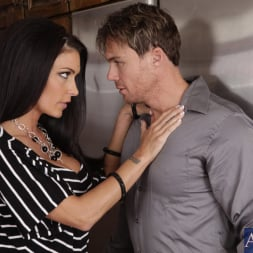 Jessica Jaymes in 'Naughty America' and Justin Magnum in My Wife's Hot Friend (Thumbnail 3)
