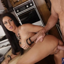 Jessica Jaymes in 'Naughty America' and Justin Magnum in My Wife's Hot Friend (Thumbnail 6)