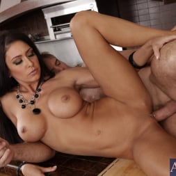 Jessica Jaymes in 'Naughty America' and Justin Magnum in My Wife's Hot Friend (Thumbnail 9)