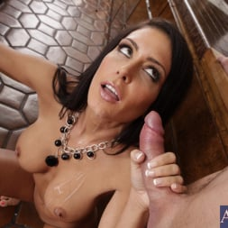 Jessica Jaymes in 'Naughty America' and Justin Magnum in My Wife's Hot Friend (Thumbnail 10)