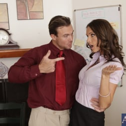 Jennifer Dark in 'Naughty America' and Justin Magnum in Naughty Office (Thumbnail 2)