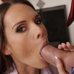 Jennifer Dark in 'Naughty America' and Justin Magnum in Naughty Office (Thumbnail 4)
