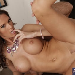 Jennifer Dark in 'Naughty America' and Justin Magnum in Naughty Office (Thumbnail 8)