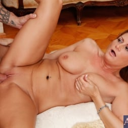 Becca Blossoms in 'Naughty America' and Alan Stafford in Seduced by a cougar (Thumbnail 15)