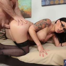 Eva Angelina in 'Naughty America' and John Strong in I Have a Wife (Thumbnail 15)