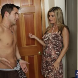 Kristal Summers in 'Naughty America' and Kris Slater in My Friends Hot Mom (Thumbnail 1)