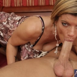 Kristal Summers in 'Naughty America' and Kris Slater in My Friends Hot Mom (Thumbnail 5)
