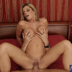 Kristal Summers in 'Naughty America' and Kris Slater in My Friends Hot Mom (Thumbnail 14)