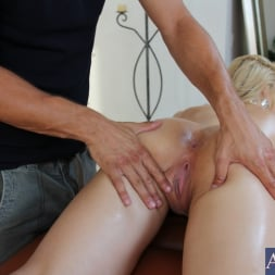 Sarah Vandella in 'Naughty America' and Danny Mountain in My Naughty Massage (Thumbnail 2)