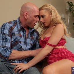 Lexi Belle in 'Naughty America' and Johnny Sins in My Dad's Hot Girlfriend (Thumbnail 2)