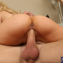 Lexi Belle in 'Naughty America' and Johnny Sins in My Dad's Hot Girlfriend (Thumbnail 8)