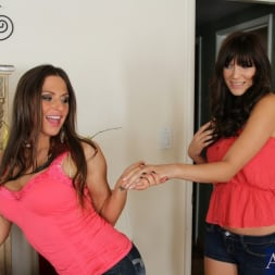 Holly Michaels in 'Naughty America' 2 Chicks Same Time (Thumbnail 3)