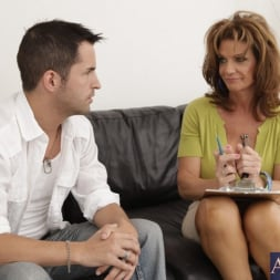 Deauxma in 'Naughty America' and Kris Slater in Seduced by a cougar (Thumbnail 2)