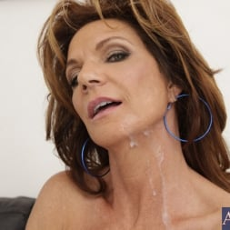 Deauxma in 'Naughty America' and Kris Slater in Seduced by a cougar (Thumbnail 11)