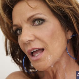Deauxma in 'Naughty America' and Kris Slater in Seduced by a cougar (Thumbnail 15)