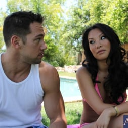 Asa Akira in 'Naughty America' and Johnny Castle in My Dad's Hot Girlfriend (Thumbnail 1)