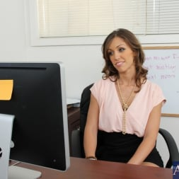 Audrey Rose in 'Naughty America' and Bill Bailey in Naughty Office (Thumbnail 1)