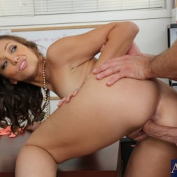 Audrey Rose in 'Naughty America' and Bill Bailey in Naughty Office (Thumbnail 13)