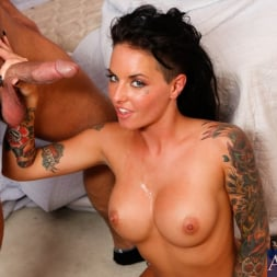 Christy Mack in 'Naughty America' and Bill Bailey in Fast Times (Thumbnail 11)
