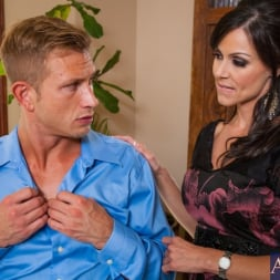 Kendra Lust in 'Naughty America' and Bill Bailey in Seduced by a cougar (Thumbnail 2)