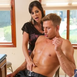 Kendra Lust in 'Naughty America' and Bill Bailey in Seduced by a cougar (Thumbnail 3)