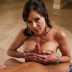 Kendra Lust in 'Naughty America' and Bill Bailey in Seduced by a cougar (Thumbnail 12)