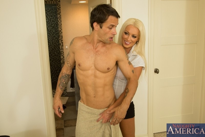 Naughty America 'and Alan Stafford in My Friends Hot Mom' starring Diana Doll (Photo 2)