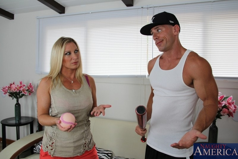 Naughty America 'and Johnny Sins in Seduced by a cougar' starring Devon Lee (Photo 1)