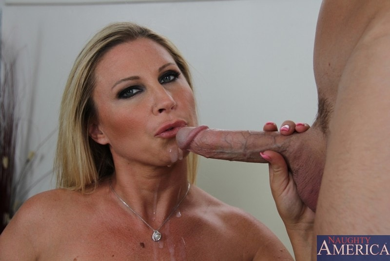 Naughty America 'and Johnny Sins in Seduced by a cougar' starring Devon Lee (Photo 11)