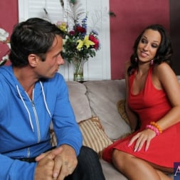 Jada Stevens in 'Naughty America'  and Alan Stafford in My Dad's Hot Girlfriend (Thumbnail 1)