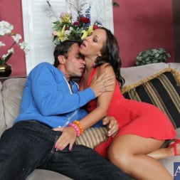 Jada Stevens in 'Naughty America'  and Alan Stafford in My Dad's Hot Girlfriend (Thumbnail 2)