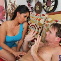 Bianca Mendoza in 'Naughty America' and Justin Magnum in Latin Adultery (Thumbnail 2)